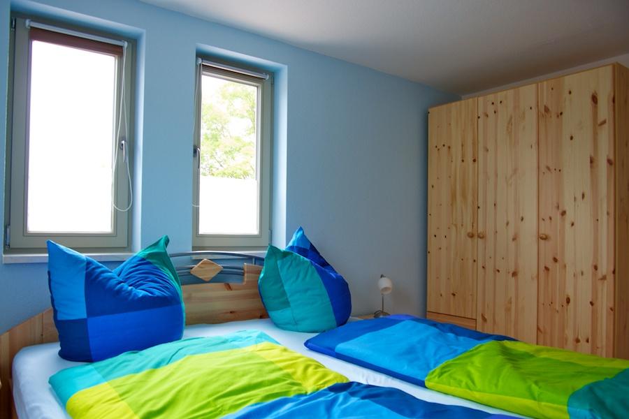 fewo-lee-schlafzimmer-schrank